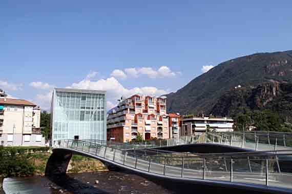 Bozen, Modern Art Museum, Südtirol, Italien ( Urlaub, Reisen, Lastminute-Reisen, Pauschalreisen )