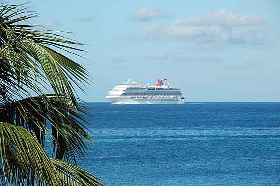 Karibik-Insel St Martin / St Maarten Kreuzfahrtschiff (Kleine Antillen) ( Urlaub, Reisen, Lastminute-Reisen, Pauschalreisen )