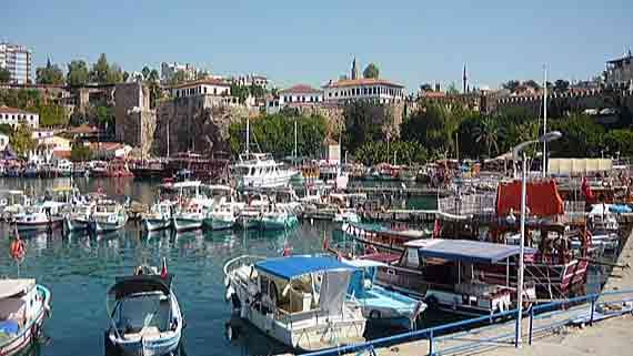 Alter Hafen von Antalya, Türkische Rivera, Türkei ( Urlaub, Reisen, Lastminute-Reisen, Pauschalreisen )