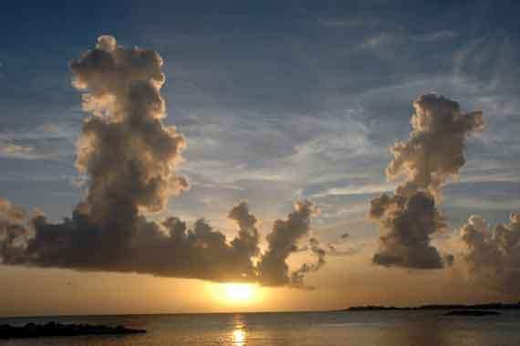 Karibik-Insel St Martin / St Maarten Sonnenuntergang (Kleine Antillen) ( Urlaub, Reisen, Lastminute-Reisen, Pauschalreisen )