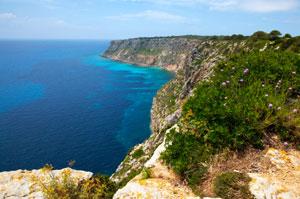 Balearen, Formentera - Felsküste  ( Urlaub, Reisen, Lastminute-Reisen, Pauschalreisen )