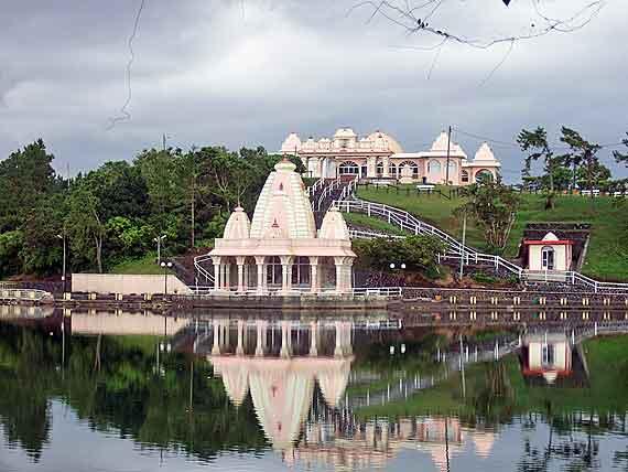 """Mauritus - Heiliger See """"Grand Bassin"""", eines der ältesten Ziele für Hindu-Pilger ( Urlaub, Reisen, Lastminute-Reisen, Pauschalreisen )"""