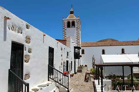 Kirche Santa Maria in Betancuria, Fuerteventura, Kanaren ( Urlaub, Reisen, Lastminute-Reisen, Pauschalreisen )