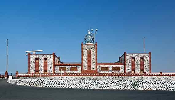 Faro Punta de la Entallada bei Gran Tarajal, Fuerteventura, Spanien ( Urlaub, Reisen, Lastminute-Reisen, Pauschalreisen )