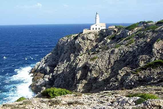 Leuchtturm - Far de Capdepera bei Cala Ratjada, Mallorca ( Urlaub, Reisen, Lastminute-Reisen, Pauschalreisen )