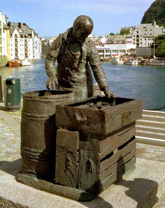 Fischmann in Alesund, Norwegen ( Urlaub, Reisen, Lastminute-Reisen, Pauschalreisen )