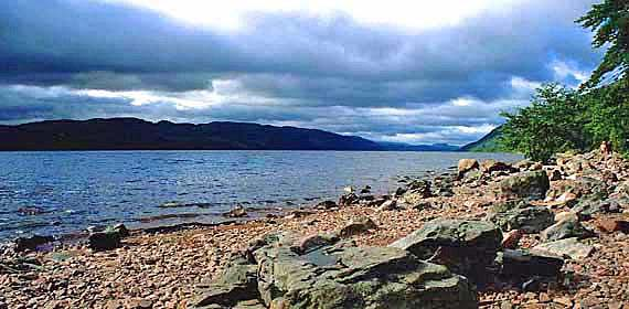 Schottland - Blick auf Loch Ness ( Urlaub, Reisen, Lastminute-Reisen, Pauschalreisen )