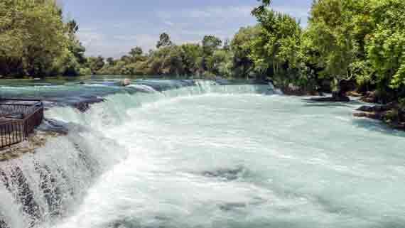 Manavgat-Wasserfall bei Manavgat, Side, Türkische Riviera, Türkei ( Urlaub, Reisen, Lastminute-Reisen, Pauschalreisen )