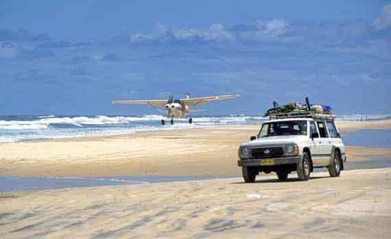 Australien, Queensland, Strand von Fraser Island ( Urlaub, Reisen, Lastminute-Reisen, Pauschalreisen )