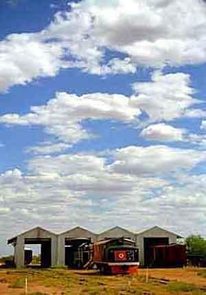 Australien, Alice Springs - Historische Lokomotive ( Urlaub, Reisen, Lastminute-Reisen, Pauschalreisen )