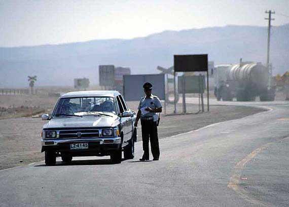 Chile - Polizei auf der Panamericana ( Urlaub, Reisen, Lastminute-Reisen, Pauschalreisen )