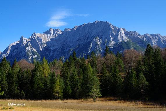 Oberbayern, Wanderung von Mittenwald zum Lautersee