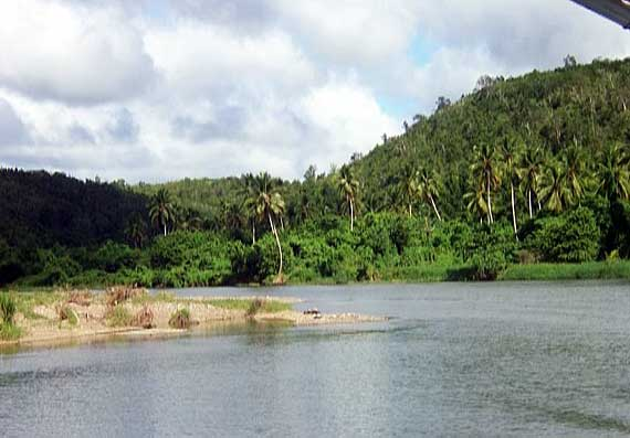 Dom. Republik (Dominikanische Republik) - Flusslandschaft ( Urlaub, Reisen, Lastminute-Reisen, Pauschalreisen )