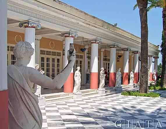 Achillio bei Gastouri - Prachtbau der Kaiserin Sissi, Griechische Insel Korfu,  Ionischen Inseln ( Urlaub, Reisen, Lastminute-Reisen, Pauschalreisen )