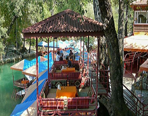 Taurus-Gebirge, Dim Bach-Picknickplatz, bei Alanya, Türkische Riviera, Türkei ( Urlaub, Reisen, Lastminute-Reisen, Pauschalreisen )