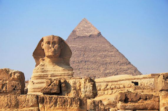 Ägypten, Sphinx von Gizeh mit Cheop-Pyramide ( Urlaub, Reisen, Lastminute-Reisen, Pauschalreisen )