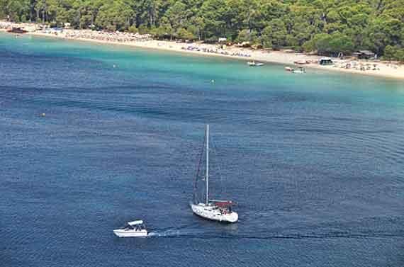 Griechenland, Griechische Insel Skiathos (Sporaden Inseln) - Kanapitsa Strand ( Urlaub, Reisen, Lastminute-Reisen, Pauschalreisen )