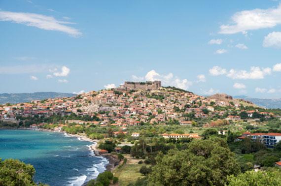 Nordostägäische-Insel Lesbos - Molyvos mit Festung ( Urlaub, Reisen, Lastminute-Reisen, Pauschalreisen )