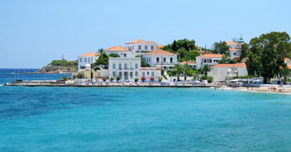 Griechenland, Griechische Insel Spetses (Saronische-Inseln) - Teilansicht Spetses Stadt ( Urlaub, Reisen, Lastminute-Reisen, Pauschalreisen )