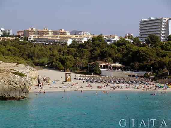 Bucht Cala Domingos in Cales de Mallorca (Calas des Mallorca), Mallorca ( Urlaub, Reisen, Lastminute-Reisen, Pauschalreisen )
