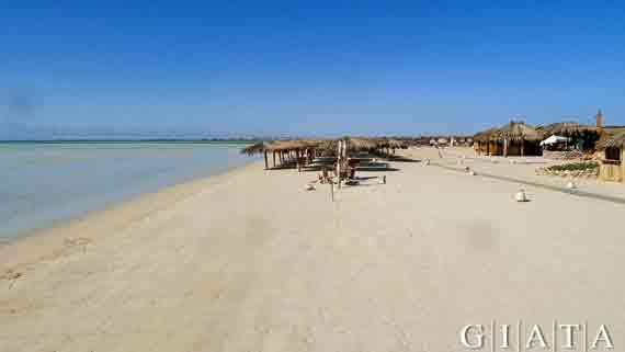 Strand bei Hurghada - Rotes Meer, Ägypten ( Urlaub, Reisen, Pauschalreisen, Last Minute Reisen )