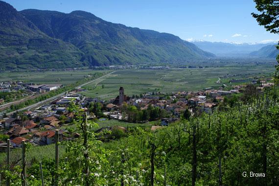 Marlinger Waalweg bei Meran - Suedtirol, Italien